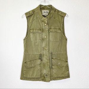Per Se Sleeveless Utility Style Vest